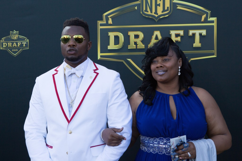 CHICAGO, IL - APRIL 30: Dante Fowler Jr. from the Florida Gators arrives on the gold carpet with his mother Lanora Williams for the first round of the 2015 NFL Draft at the Auditorium Theatre of Roosevelt University on April 30, 2015 in Chicago, Illinois. (Photo by Kena Krutsinger/Getty Images)